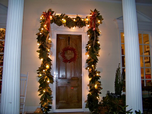 garland-with-lights